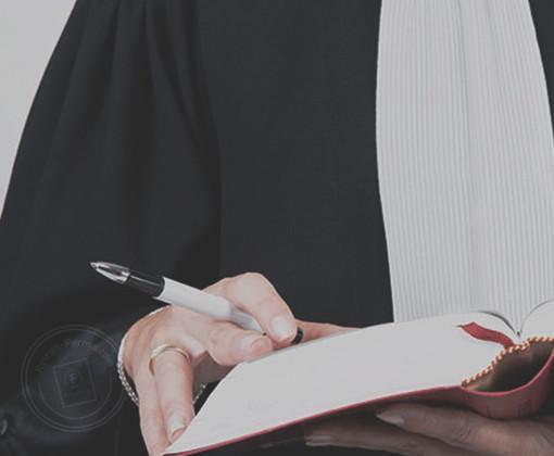 Se défendre avec un avocat permis suite à un délit routier
